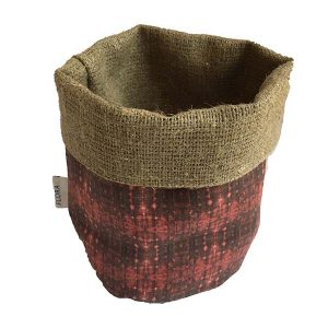 Linen storage baskets — Flax root cells